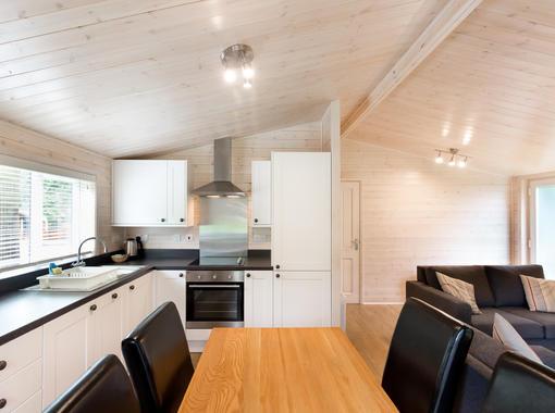 open plan dining & kitchen area